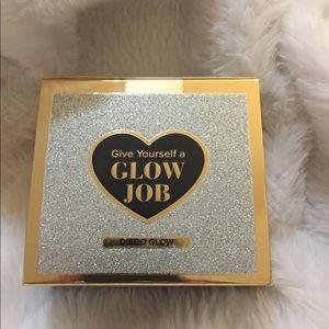 Too Faced Glow Job face mask